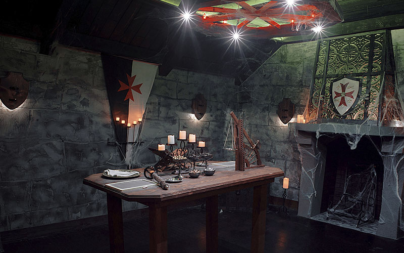 Themed decorations help you get a better feel for the escape room atmosphere